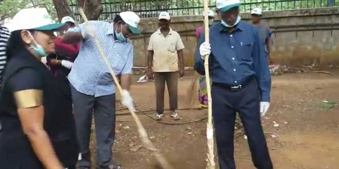 Banega Swachh India - Madras High Court Judges Take Up Brooms And Lead Campus Clean Up