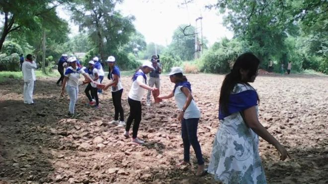 Swachh Warriors- In Just One Week These Students Created 9000 Toilets In 107 Villages