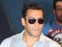 Banega Swachh India- Salman Khan Visits Mumbai Slum To Support Drive Against Open Defecation