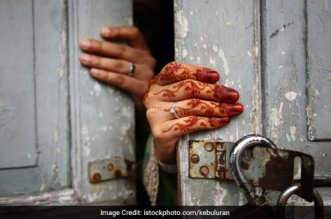 Karva Chauth With A Difference: Husbands Take Pledge To Build Toilets For Wives In Uttar Pradesh