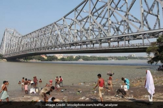 Bengal Civic Bodies To Build 1.5 Lakh More Toilets Across 3 Districts