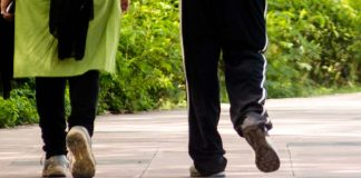 30-min Walk Boosts Positivity In Advanced Cancer Patients, Shows Study
