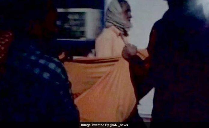 दाना मांझी की कहानी भूले तो नहीं? अब बिहार में शव को कंधे पर लादकर घर ले गए रिश्तेदार