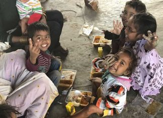 Happy Meal! A Mobile Kitchen In Delhi Serves Healthy Food To Those In Need