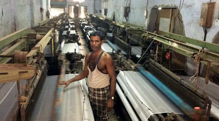 'Deafening Noise, My Head Hurts': Why Surat's Textile Weavers Want To Return Home