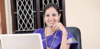 Reasons Behind Declining Female Workforce In India