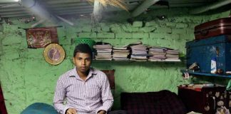 From Slums To Delhi University: How These Youngsters Did It