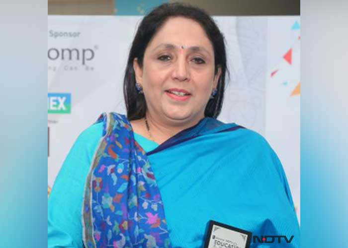 ndtv-education-awards-north-region-winner-NDTV--EXCELLENCE-IN-SOCIAL-SCIENCE-TEACHING--LOVELEEN-KAPOOR