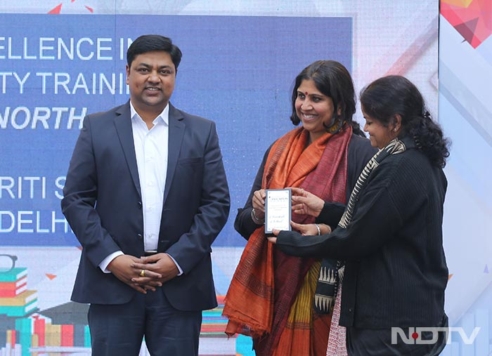 Excellence-In-faculty-training_ndtv-education-awards-regional-round_north2