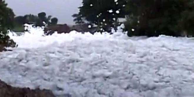 'Happens Every Year,' Says Chief Minister Siddaramaiah As Bengaluru Lake Shoots Toxic Foam