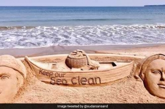 Sand Art For Swachh Cause Sudarsan Pattnaik Will Create Sand Art On #SaveOceanSaveEarth In An International Competition