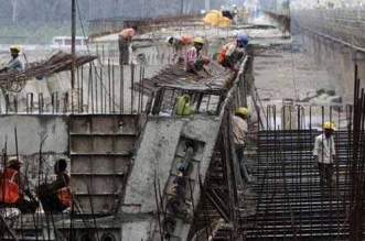 Delhi Metro Begins Dust Control Drive Across Construction Sites After A Directive From Environment Pollution Control Authority