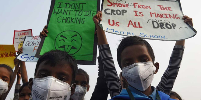Children's Day Protest In Delhi: Armed With Masks And Black Roses, Children Appeal Prime Minister Narendra Modi For #RightToBreathe