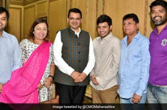 Politicians Step In To Assure Their Support After Afroz Shah Suspended The Versova Beach Cleanup After 109 weeks