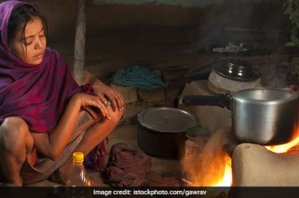 air-pollution-cookstoves-raipur-india-istock