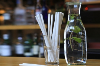 One-Less-Piece-Of-Plastic-Journey-Of-A-25-Year-Old-Who-Is-On-A-Mission-To-Discourage-Plastic-Usage-In-500-Restaurant_ndtv