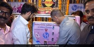 PadMan Akshay Kumar Sets Up Sanitary Pad Vending Machine In Mumbai, Hopes To Install More Across The Country