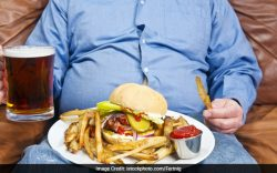 The research found lowest obesity risks among people who engaged in two healthy practices- eating at home and not watching any television or videos while eating