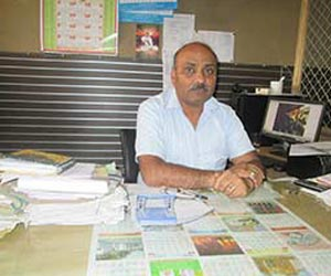 Manoj-Jain-at-his-office-from-home-category