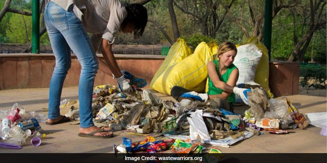 Himachal CM Meets Dharamsala's 'Garbage Girl', Will Fund 'Waste Warriors'