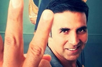 There Should Be Toilets At Every 500 Metres: Akshay Kumar's Swachh Request To Devendra Fadnavis