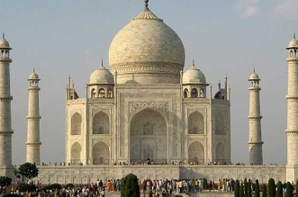 Taj Mahal is one of the iconic tourist sites which was cleaned under the Swachh Bharat Mission
