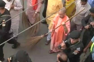 Yogi Adityanath Picks Up Broom After UP City Ranked Last In Swachh Sarvekshan 2017