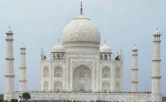 Golden Taj To Spread Awareness Of Childhood Cancer