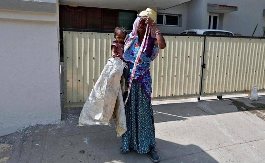Ahmedabad Labour Toddler Parents Migrants