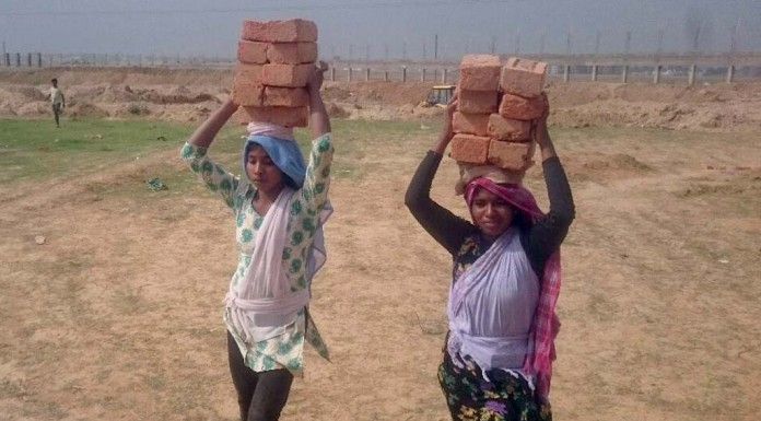 After Carrying Bricks For 8 Years, Meera Gets Into Ranchi's Top College