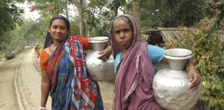 Women going out to fill utensils with water