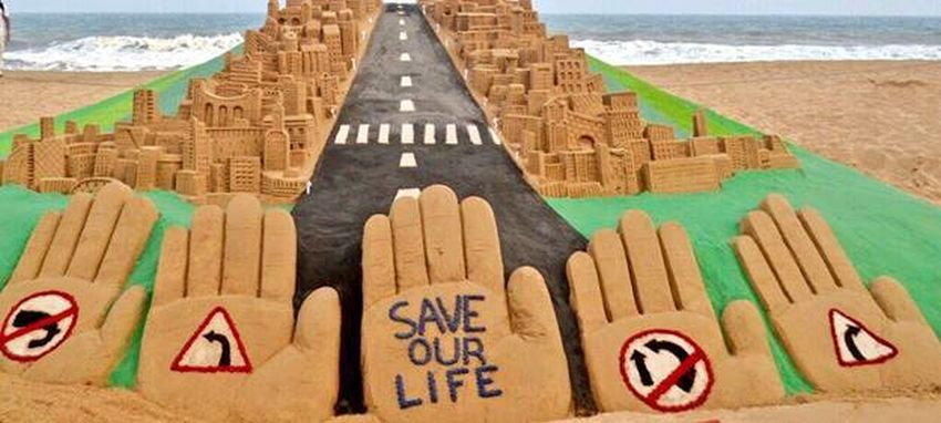 Road Safety Week: Sudarsan Pattnaik Creates Sand Art With Messages To Make Roads Safer