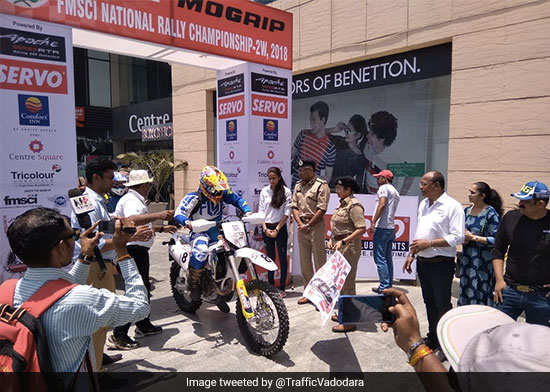 Vadodara's Traffic Police Engages With People From All Walks Of Life During Road Safety Week