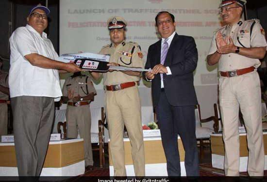 #RoadSafetyWeek: Delhi Police Commissioner Amulya Patnaik Appoints 319 Sentinels To Help Delhi Traffic Personnel