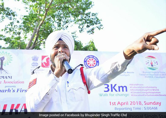 This Chandigarh Traffic Cop Chooses Music As His Tool To Sensitise Young Motorists About Road Safety