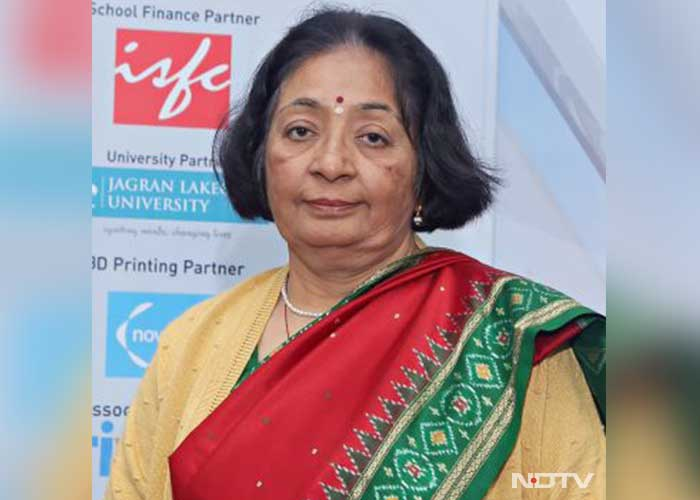ndtv-education-awards-north-region-winner-GEETA-GIDDWANI--MATHS-TEACHING