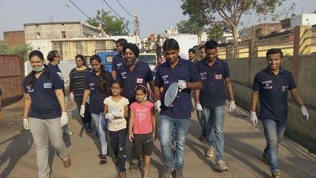 They Call Themselves 'Bunch Of Swachh Fools' And Their Motto Is To Make Raipur 100% Clean