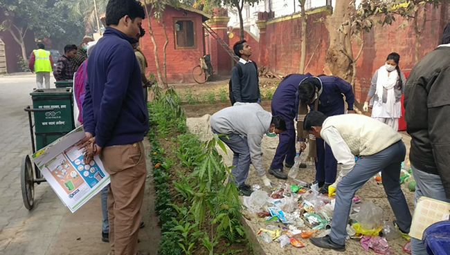 Waste Management Solutions Via Agra: These Two Engineers Are Attempting To Bring A Paradigm Shift In The City