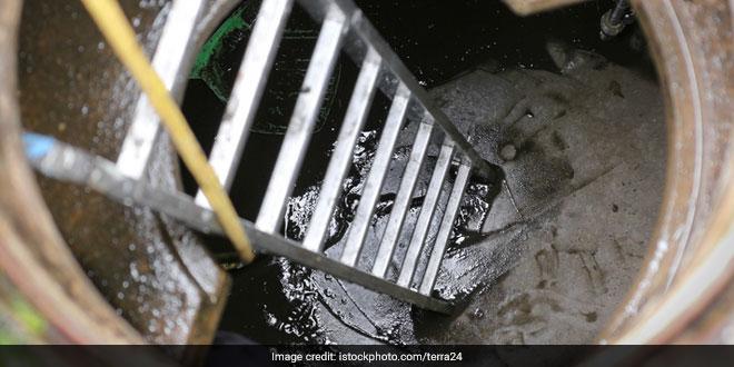 Delhi High Court Demands Information On Desilting Of Drains In New Delhi