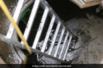 Ensure 100% Mechanisation Of Sewer Cleaning By March 2018: Delhi Lieutenant Governor Anil Baijal