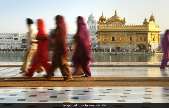 golden-temple-carpet-area_swachh-iconic-place