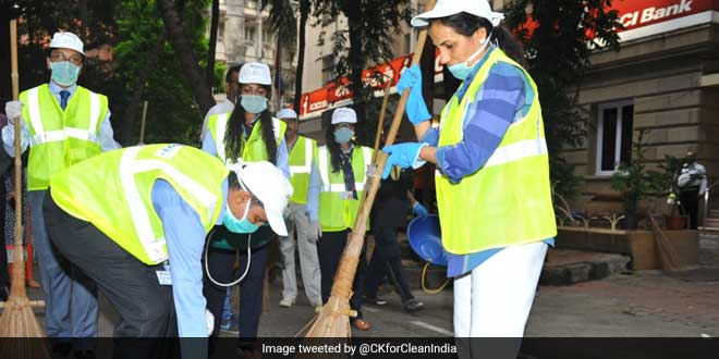Top Bankers Extend Support To Swachh Bharat Abhiyan, Pledge Their Resources And Money To Make It A Success