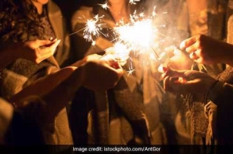 #CrackerBan: After Delhi's Supreme Court Order, Now Bombay High Court Follows The Suit, Bans Sale Of Firecrackers In Residential Areas of Maharashtra