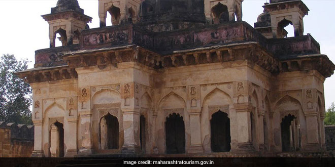 A 500-year-old Chandrapur Fort In Maharashtra Gets A Swachh Makeover, Receives Praise In PM Modi's Mann Ki Baat