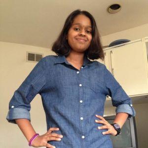 teenager-girl-sanitary-napkins-swachhindia