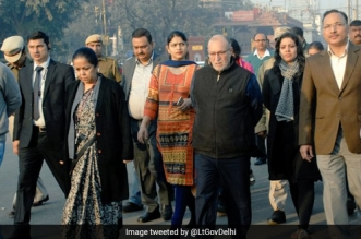 Lt. Governor Anil Baijal Directed Officials To Renovate Red fort And Clean Surroundings