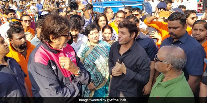 Amitabh Bachchan Supports The Man Behind Versova Clean-Up, Gifts Tractor And Excavator For Cleaning The Beach