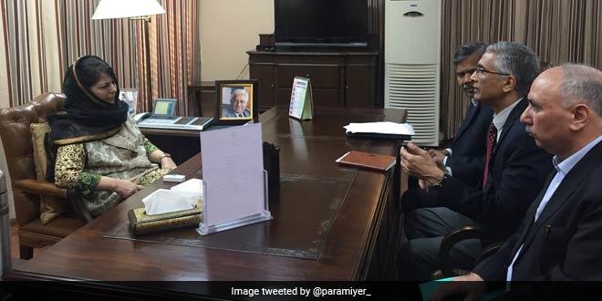 Parameswaran Iyer met J&K Chief Minister Mehbooba Mufti