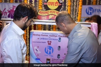 PadMan Akshay Kumar Sets Up Sanitary Pad Vending Machine In Mumbai, Hopes To Install More Across The Country