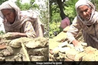 To Fight Open Defecation In Her Village, 87-Year-Old Woman From Jammu And Kashmir Is Building A Toilet All By Herself